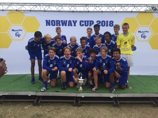 To Tertnes lag vant B finalen i Norway cup Åsane Tidende