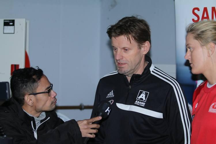 MØTE: Møte i kveld avgjorde trenernes fremtid i klubben. Her er styreleder Jostein Nesse.