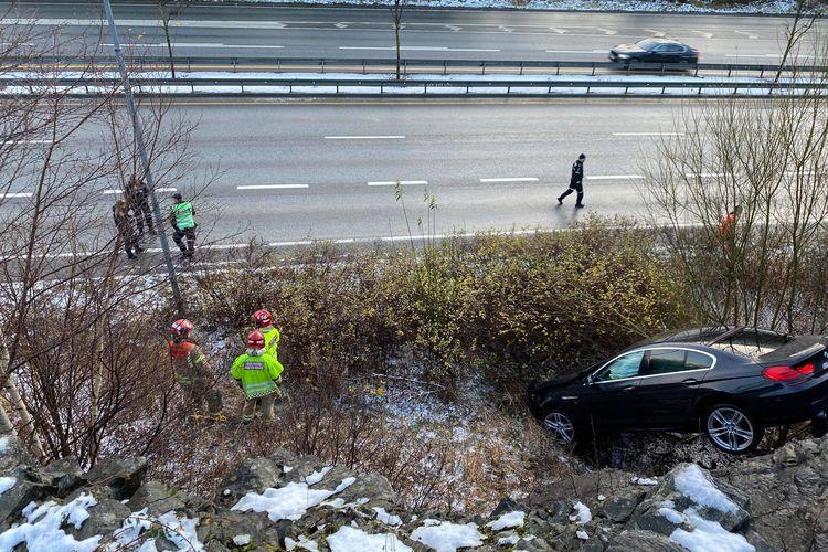 KJØRTE NED SKRENT:  Ulykken skapte lange køer (Foto: Sandor Dahl)