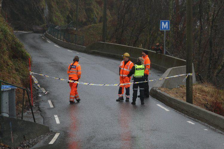 VENTER PÅ GEOLOG: Geologer skal arbeidet i området.